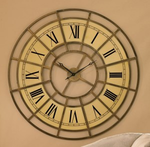 Colossal-Wall-Clock